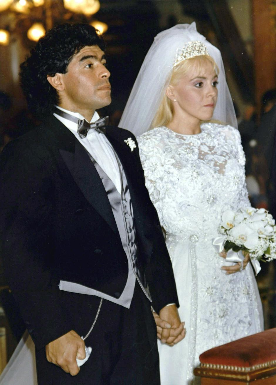 FILE PHOTO: Soccer legend Maradona and wife Claudia | Autor : Stringer ./REUTERS/PIXSELL/REUTERS/PIXSELL