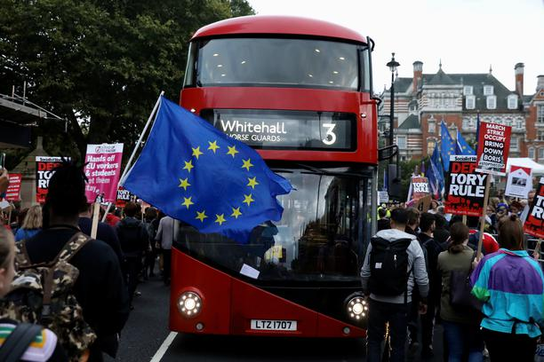 Anti-Brexit bus