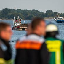 Witness sees swimmer submerge in Elbe: rescue operation
