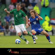 \'Croatia\'s Luka Modric (right) in action with Republic of Ireland\'s Glenn Whelan during the International Friendly at the Aviva Stadium, Dublin. Photo: Press Association/Pixsell\'