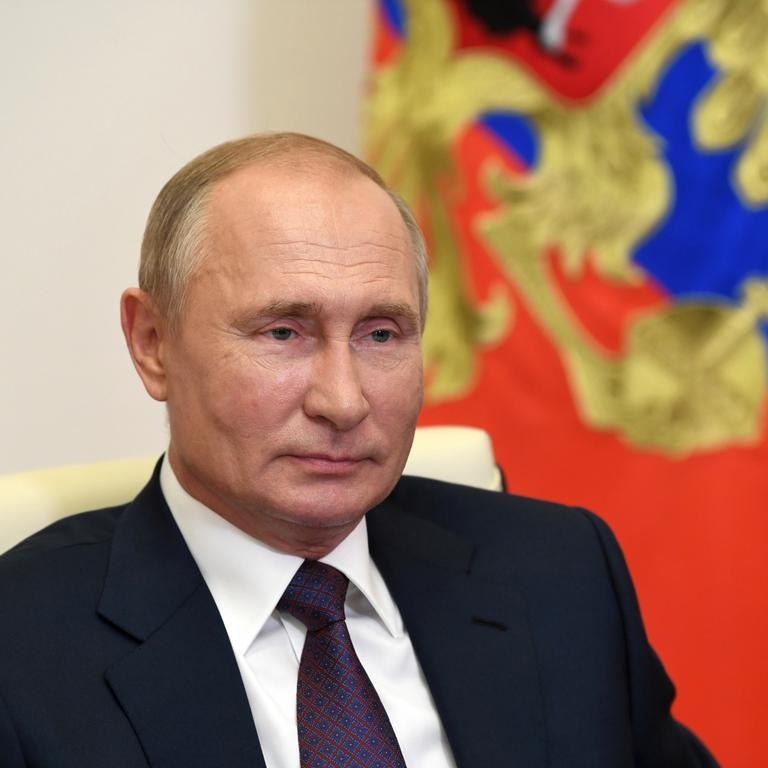 Russian President Putin holds meeting with graduates of Management Personnel Pool program