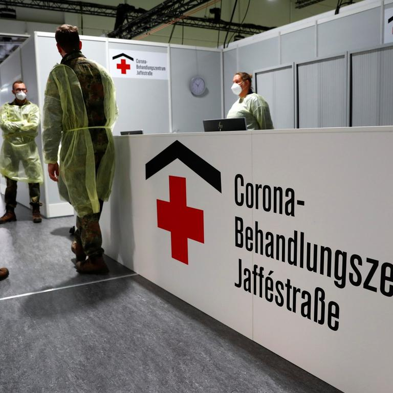 Medical staff takes part in a fire drill to evacuate the Corona Treatment Center Jaffestrasse in Berlin