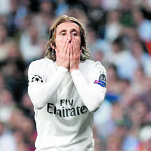 Football Soccer - Real Madrid v Manchester City - UEFA Champions League Semi Final Second Leg - Estadio Santiago Bernabeu, Madrid, Spain - 4/5/16 Real Madrid's Luka Modric looks dejected after a missed chance Reuters / Sergio Perez Livepic EDITORIAL USE O