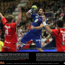 'Nikola Karabatic (C) of France against Aron Palmarsson (L) and Alexander Petersson of Iceland during the Men\'s Handball World Championship main round group 1 match France against Iceland in Jönköpin