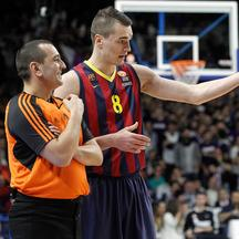 FC Barcelona's Mario Hezonja have words with the referee during Euroleague match.February 5,2015. Foto © nph / Acero) *** Local Caption ***     /PIXSELL