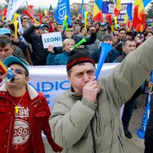 ROMANIA-MIOVENI-FACTORY WORKERS-PROTEST