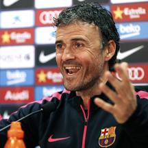 Barcelona's coach Luis Enrique smiles during the news conference at Ciutat Esportiva Joan Gamper in Sant Joan Despi near Barcelona March 13, 2015. REUTERS/Gustau Nacarino (SPAIN - Tags: SPORT SOCCER)