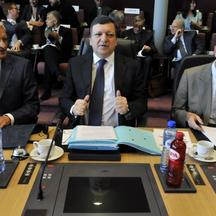 '(L-R) European Parliament President Jerzy Buzek, European Commission President Jose Manuel Barroso and EU President Herman Van Rompuy get ready prior to a working session with european religious lead