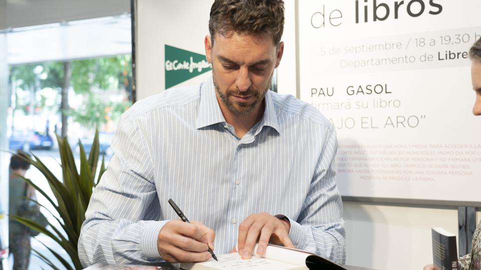 Pau Gasol promotes his new book 'Under the Hoop'