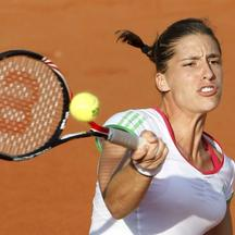 \'Andrea Petkovic of Germany returns the ball to Maria Kirilenko of Russia during the French Open tennis tournament at the Roland Garros stadium in Paris May 30, 2011.               REUTERS/Regis Duvi