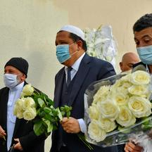 Imams Pay Homage To Beheaded Teacher - Conflans-Sainte-Honorine