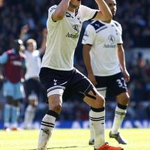 'Tottenham Hotspur\'s Gareth Bale reacts after hitting the bar Photo: Press Association/Pixsell'